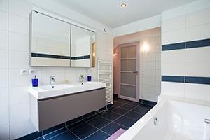 plomberie-sanitaire-salle-de-bain-maison-imageliste