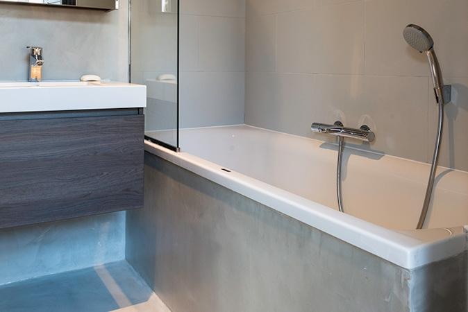 plomberie-sanitaire-salle-de-bain-baignoire-02