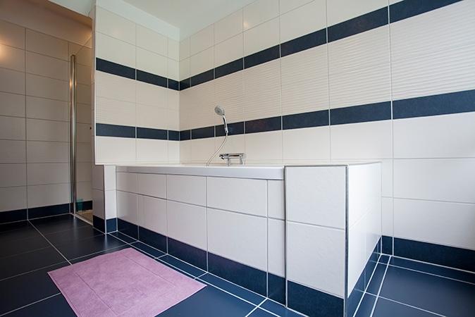 plomberie-sanitaire-salle-de-bain-baignoire-03